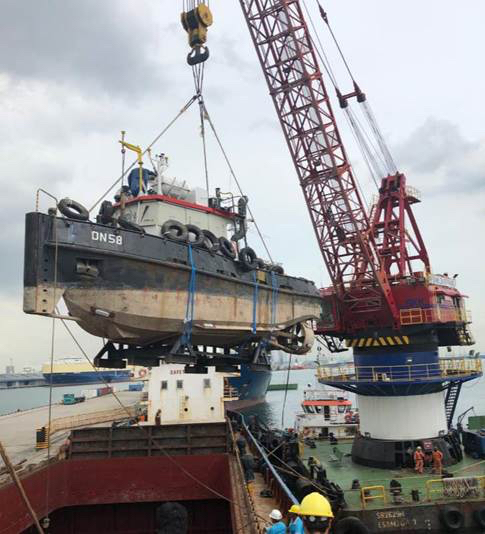 Tugboat on the move in Asia – Manora